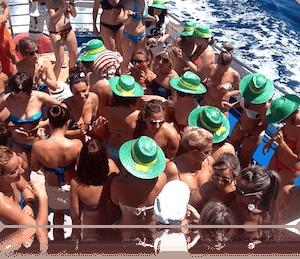 Fiestas en catamarán para despedidas de soltero en Girona